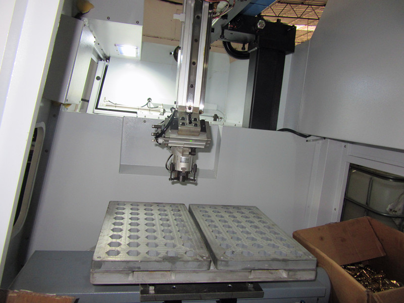 customer case:CNC LATHE WITH GANTRY LOADER IN TRAY