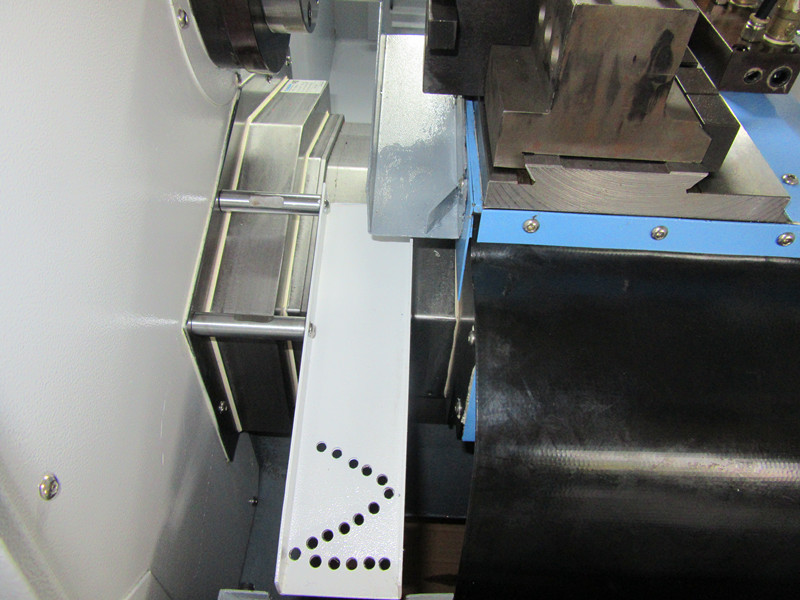 CUSTOMER CASE:CNC WITH BACK FEEDING DEVICE FOR SHAFTS