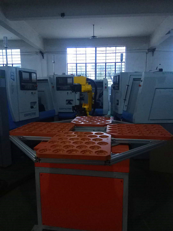 application of 6-axis robot for combined use of THREE GONGTIE CNC