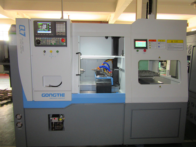 instruction for amounting living tool in CNC lathe