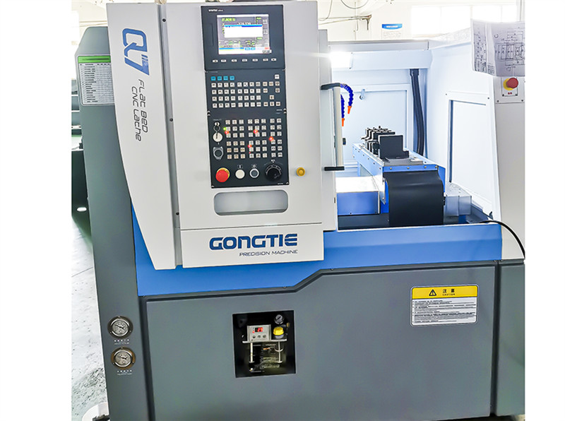 Synchronous spindle motor flat bed CNC lathe